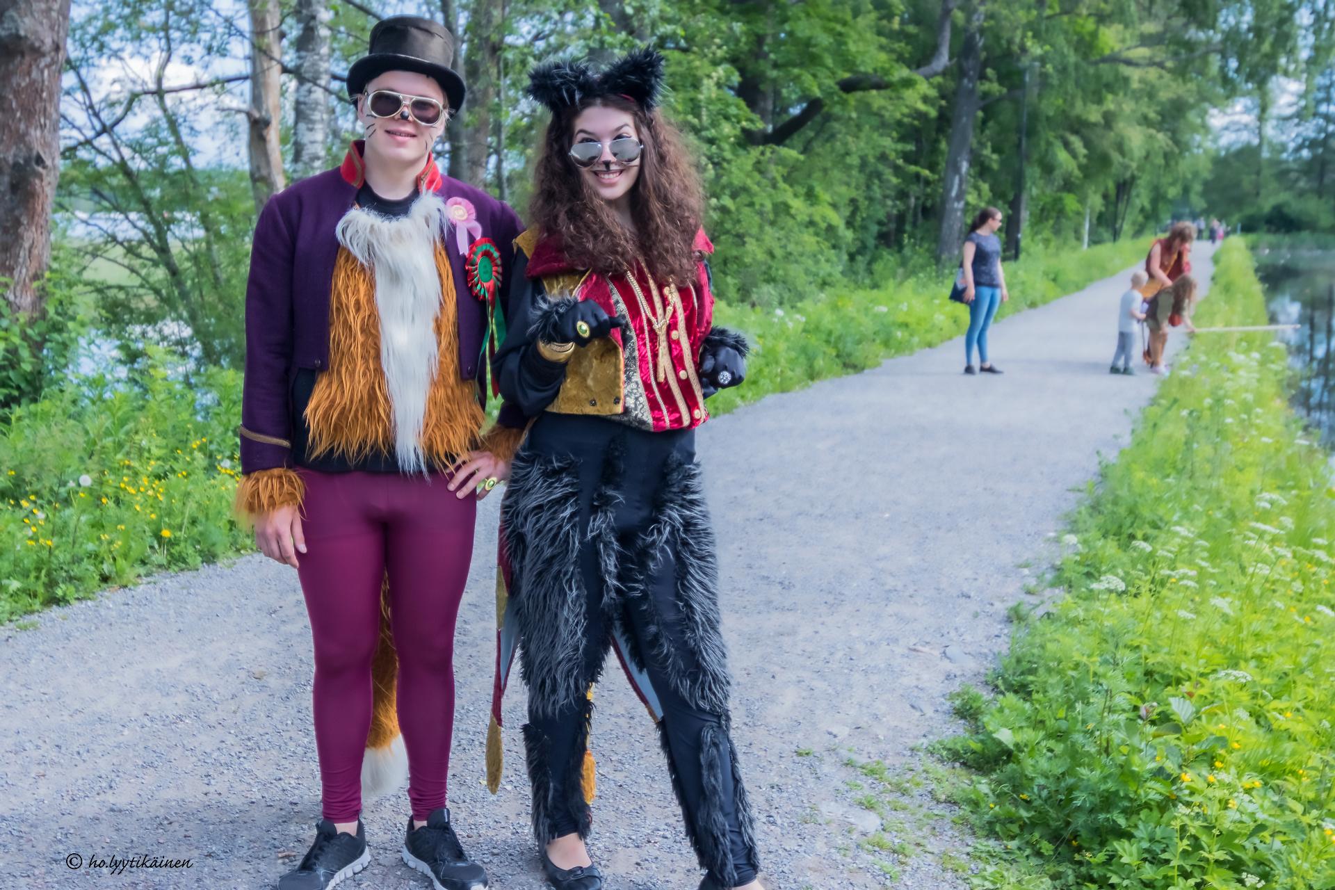 Kettu ja Kissa © Harri Lyytikäinen